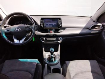 Hyundai i30 Confort + NAV 1.0T – Gdi completo